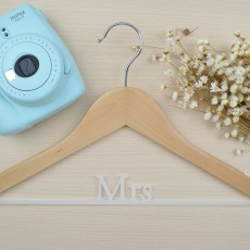 "percha personalizada ""Mrs"" 